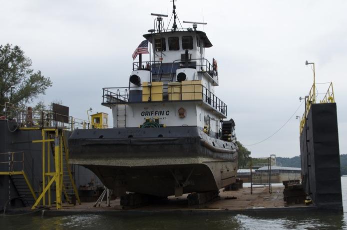 Boatin' the Ohio River_01