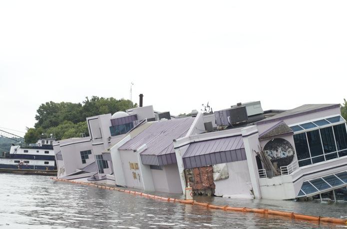 Boatin' the Ohio River_05