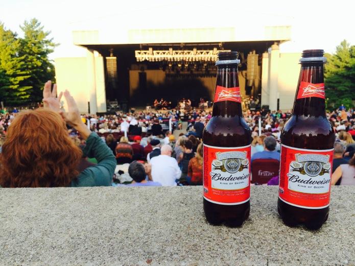Buddy Guy concert_Budweiser bottoms_02