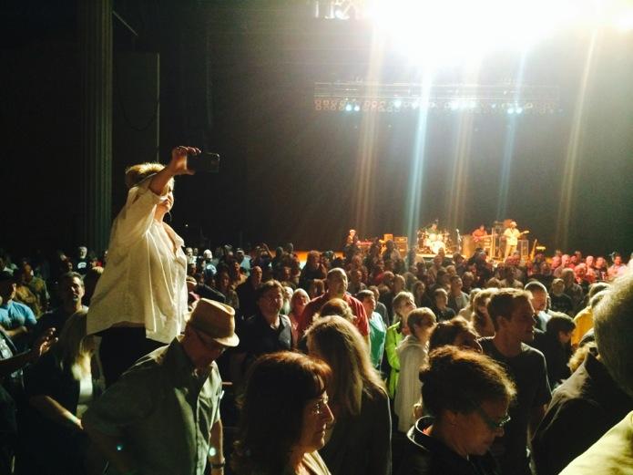 Buddy Guy concert_Budweiser bottoms_07